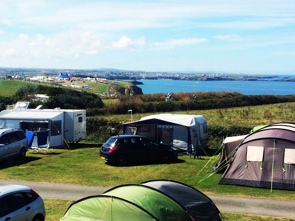 camping-at-watergage-bay-newquay
